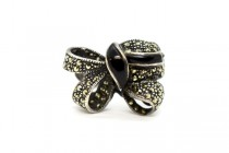 Vintage Marcasite & Sterling Silver Bow Ring with Black Onyx